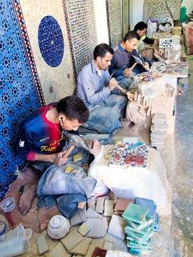 moroccan_zellige_tile_making